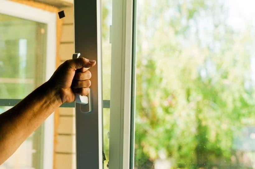 Замена деревянных окон на металлопластиковые